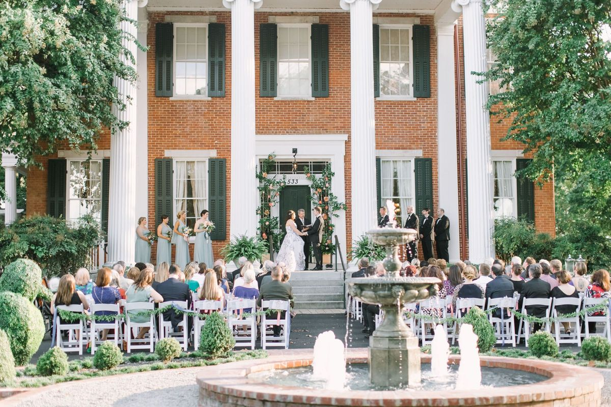 Hunt phelan weddings events venue memphis tn for Wedding dress rental memphis tn