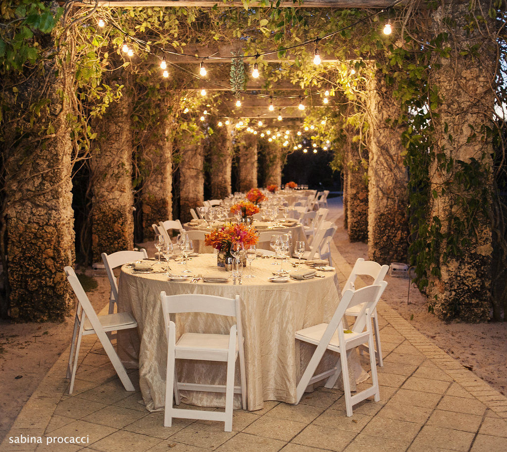 Landscape Lighting Naples Fl: Lurcat Catering