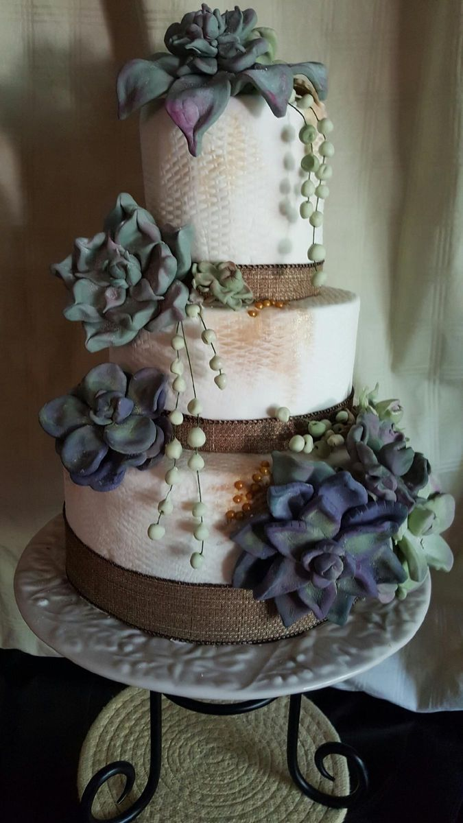 julie 39 s sweet and simple cake decor wedding cake centerville ut weddingwire. Black Bedroom Furniture Sets. Home Design Ideas