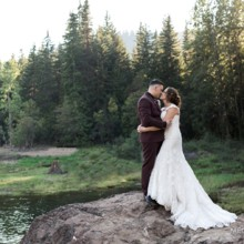 220x220 sq 1472788627175 snoqualmieweddingphotographer0094