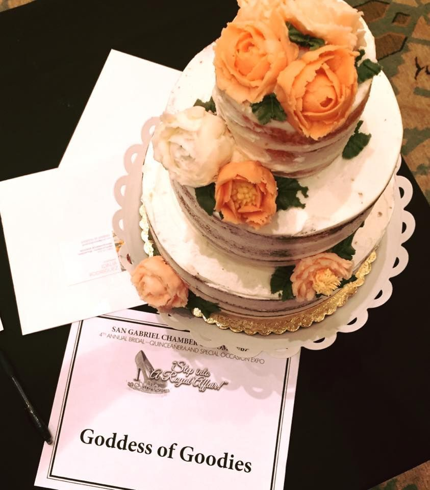 wedding cakes with pictures on them goddess of goodies wedding cake los angeles ca 26076