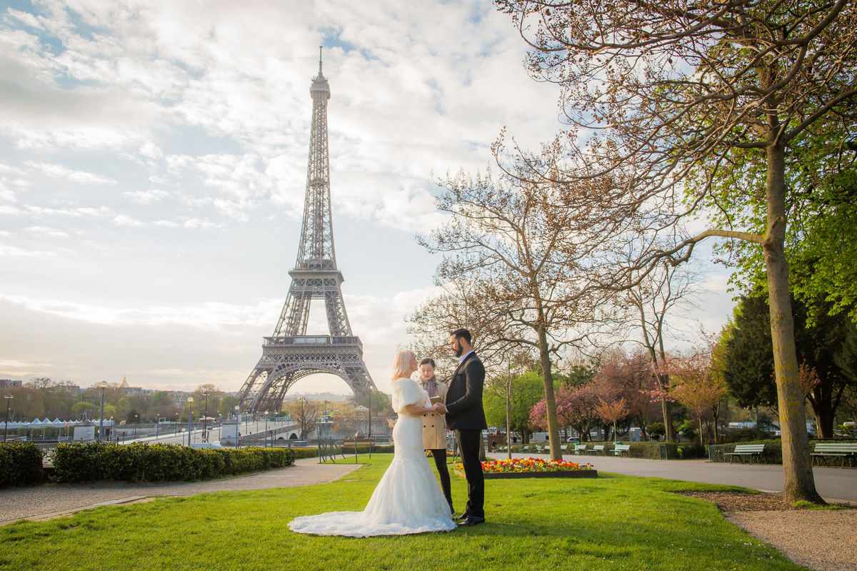 France Wedding Officiants - Reviews for 10 Officiants