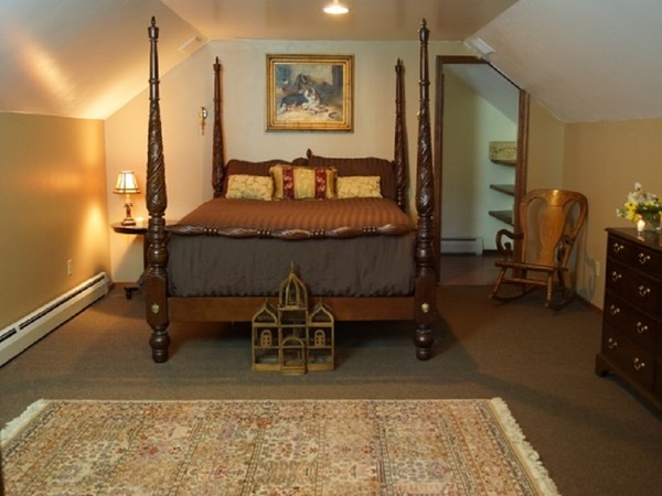 600x600 1481050481725 cottage.masterbedroom   copy