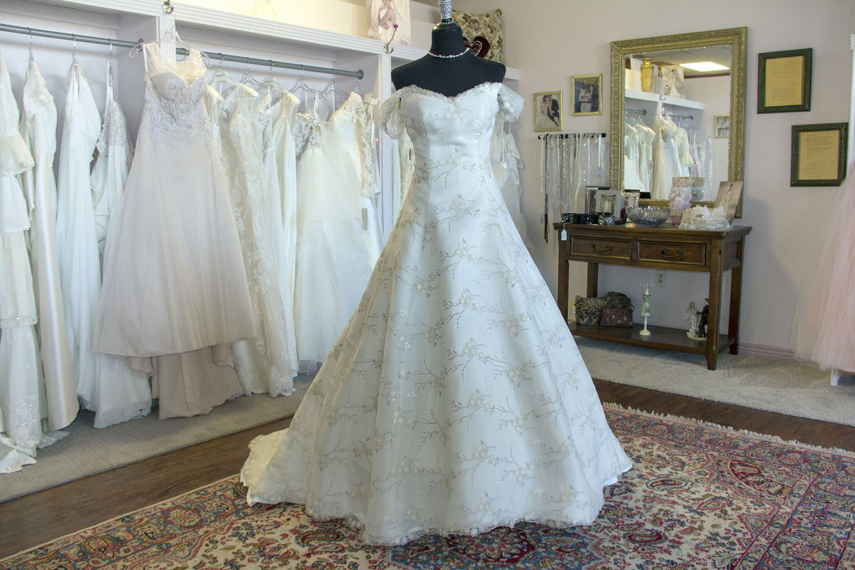 MERRYROSE BRIDAL AND ALTERATIONS - Dress & Attire - CHANDLER, AZ ...