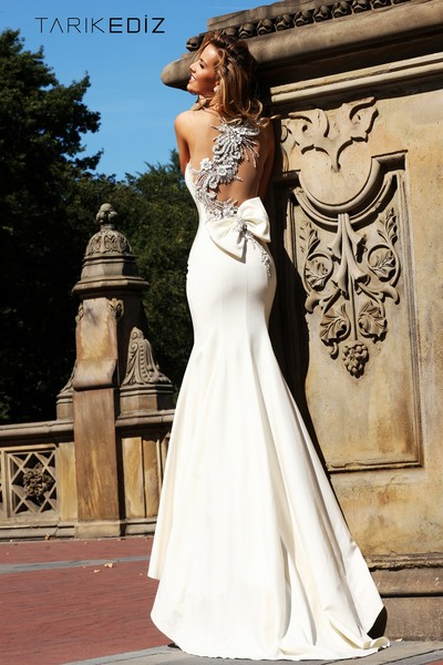 600x600 1482600236675 92092 white dress back