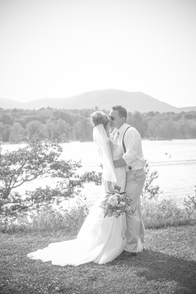 600x600 1483977214332 bk  wht bride  groom at river