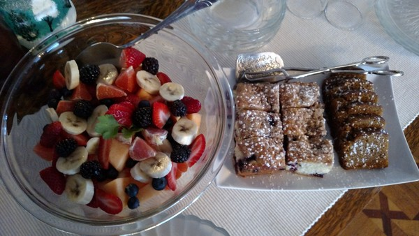 600x600 1484091600280 fruit salad and breads
