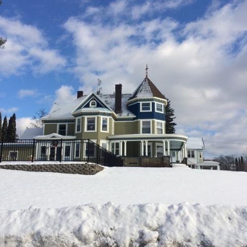 600x600 1484142687278 inn in snow