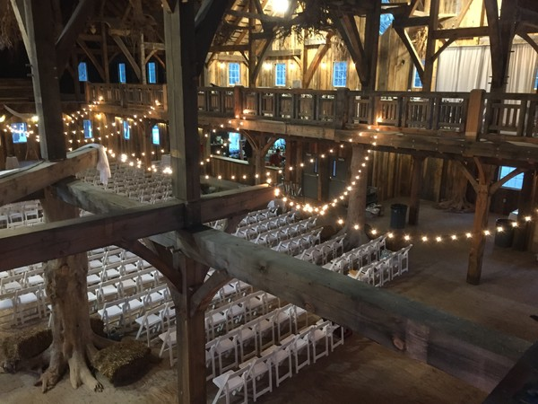 Swan Barn Door - Wisconsin Dells, WI Wedding Venue