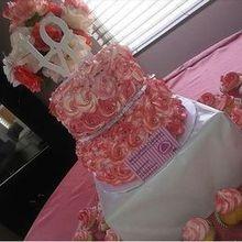220x220 sq 1485304138 eccae49187bec55b 1485200620790 wedding cake