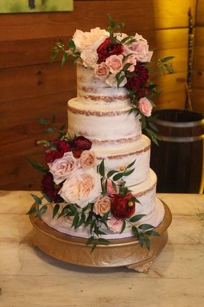 Find the best Hurst Wedding Cakes. WeddingWire offers reviews