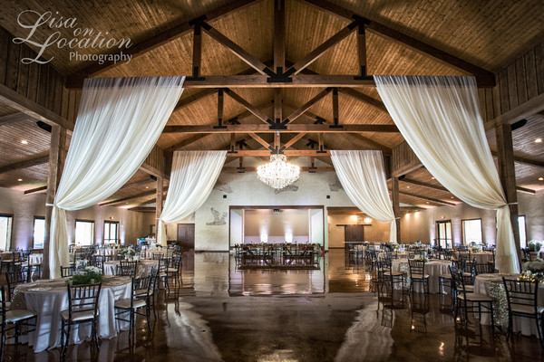 1496265344668 faves03 new braunfels wedding venue