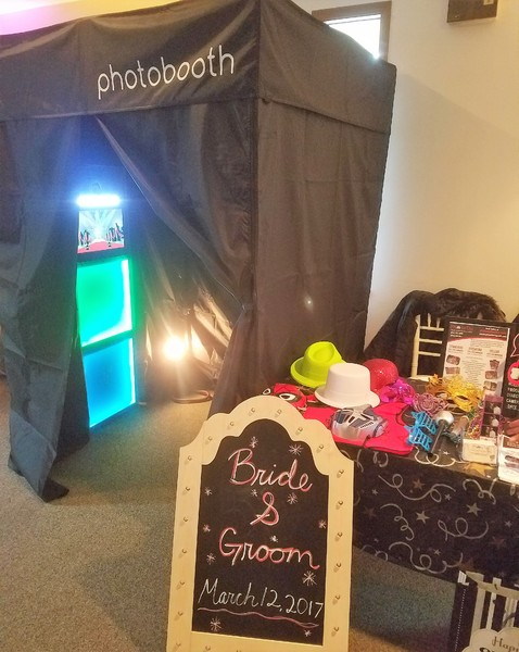 600x600 1490383250270 photo booth