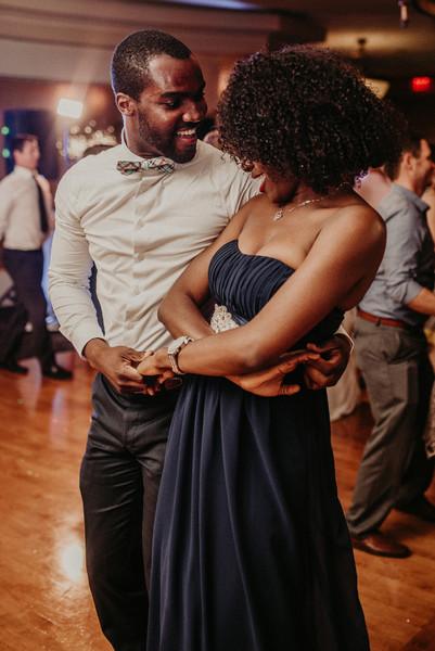 600x600 1501519833796 wedding dancing couple 1