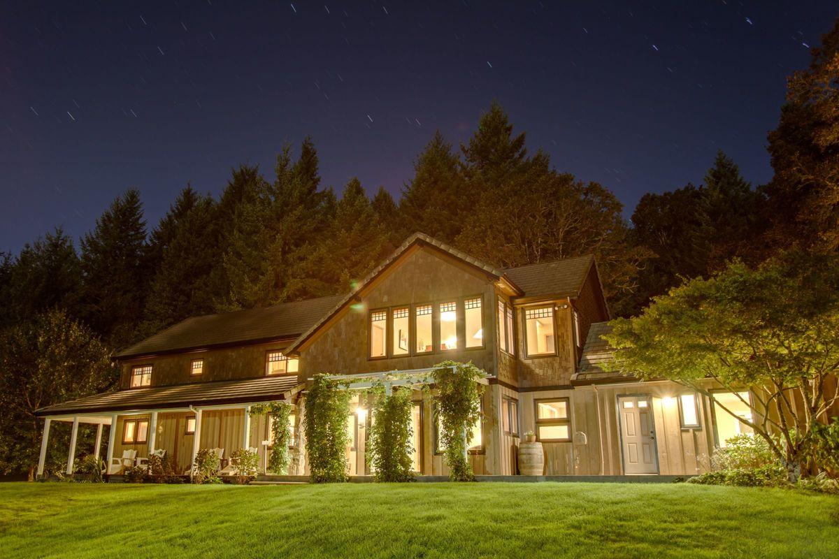Newberg Wedding Venues - Reviews for Venues