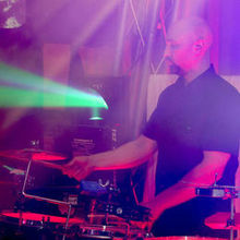 Robert V - Percussion / DJ Percussionist