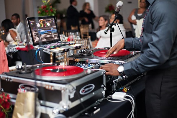 600x600 1500487852018 weddingturntables