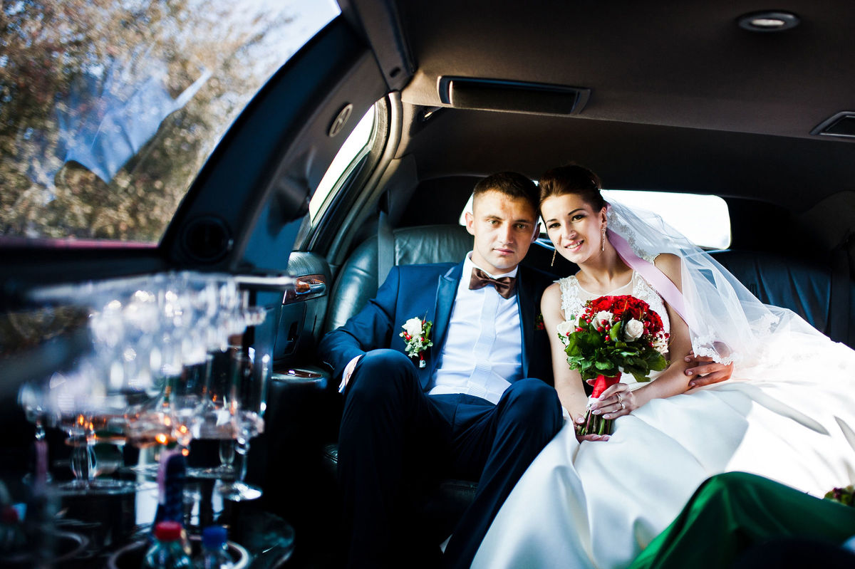 Lucky Party Bus Amp Limo Transportation Des Moines Ia