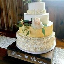 220x220 sq 1505838867 91a37a78a22d27b5 dolci wedding cake