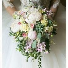 220x220 sq 1518964743 acb2d6d31d2c9411 1518964742 202e4cd72deefb25 1518964743417 1 bride bouquet