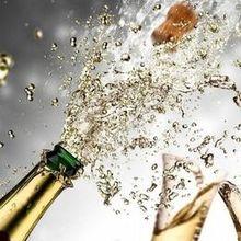 220x220 sq 1529814478 4f3074ac3c1eef1f champagne