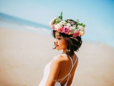 400x400 1530823669 011fbb2b568072b7 flower crown bride   wedding wire storefront