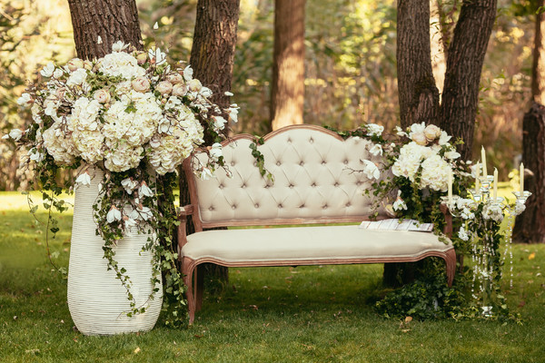 600x600 1512501166862 luxury wedding decorations with bench candle and f