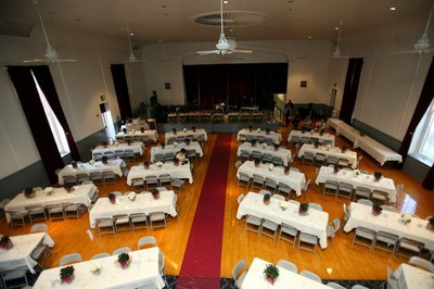 How many guests will fit at a 6 ft. rectangular table? | Weddings ...