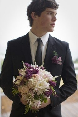 pics of grooms holding bouquets weddings planning wedding forums weddingwire. Black Bedroom Furniture Sets. Home Design Ideas