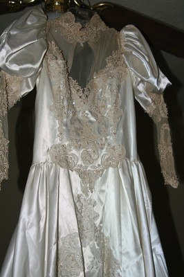 Taking an 80s wedding dress and making it my own possible anyway any thoughts junglespirit Gallery