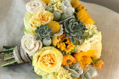 Flowers that go with Sunflowers Weddings Do It Yourself