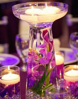Tangled themed centerpieces need ideas weddings for Glass wedding centerpieces