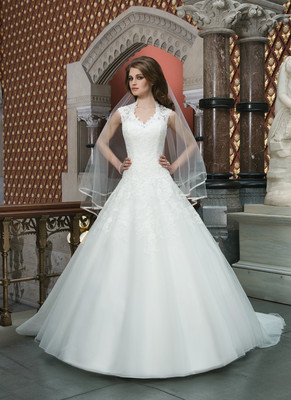 help with petticoat hoop skirt?! weddings, etiquette and advice Wedding Dress With Hoop style 12 might give me the ball gown look i was hoping for any advice you have would be appreciated! my dress is getting me a bit down at the moment wedding dresses with hoops