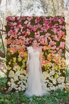 Flower wall diy wedding flower inspiration diy help weddings fun stuff do it yourself planning wedding backdrop ceremony flower wall solutioingenieria Image collections