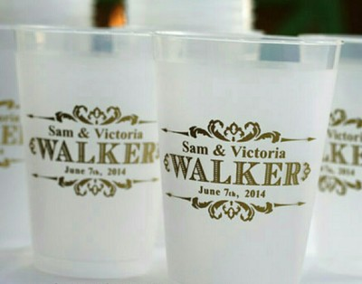 do you know where i can purchase personalized wedding cups for the bar like the picture shown below
