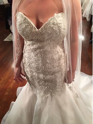 Did i get ripped off weddings beauty and attire for Where can i get my wedding dress steamed