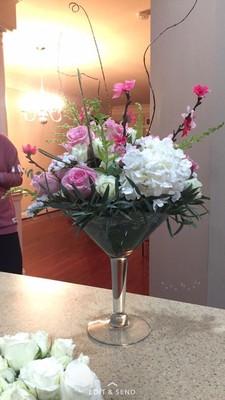 Diy floral arrangements weddings do it yourself for Do it yourself flower arrangements