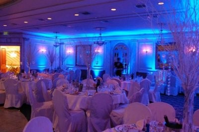 Dressing Up A Bland Venue Help Weddings Do It