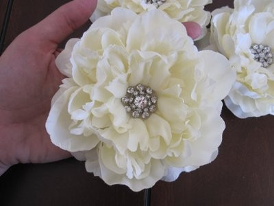 Real Flowers Vs Fake Flowers Weddings Style And Decor Wedding