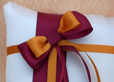 Need help finding a complimentary color for a wine purple - What colors compliment orange ...