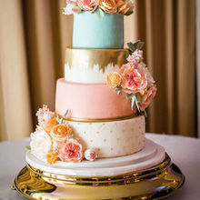 Photo for Honey Bee Pastries,LLC Review - Photo: Rebecca Horvath; Flowers: Martha Garcia Munoz