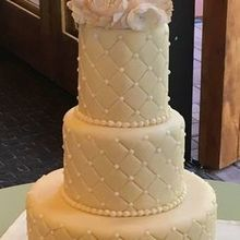 Photo of Sedona Cake Couture in Sedona, AZ - Elegance Series 15