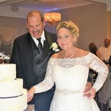 Photo of The Spring Lake Manor in Spring Lake, NJ - Cutting the cake