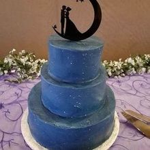 Photo for Sue Jacobs Cakes Review - Our starry night galaxy cake =)