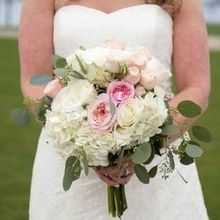 Photo of Blush Custom Weddings in Mentor, OH - Bride bouquet