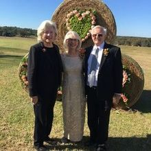 Photo of Unforgettable Events by Dan Hathcock AIFD in Orlando, FL - Beautiful wedding at the farm.