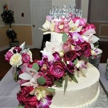Photo for All In The Details Floral Design Review - Wedding Cake