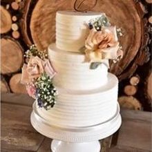 Photo for The Blooming Bride Review - Cake Flowers