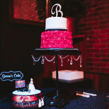 Photo for Wonder Cake Creations Review - We loved our wedding cake. It was perfect!
