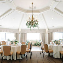 Photo of Hotel Sorrento in Seattle, WA - Photos by Blue Rose Photography; Florals by Wild Bloom